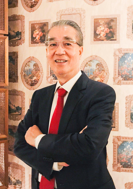皇苑建設董事長郭敏能說,要想讓現金保值,一定要轉換投資,在低利率時代殺出血路。 ...