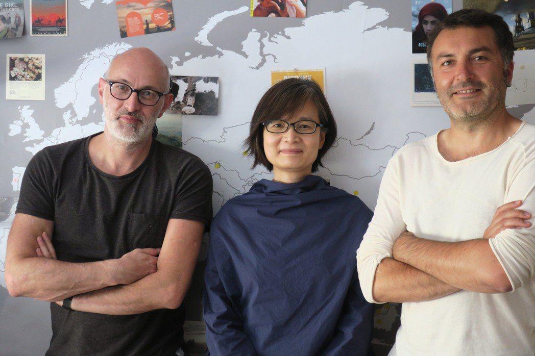 (左起)法國南特三洲影展總監Jérôme_Baron、文化部駐法國台灣文化中...