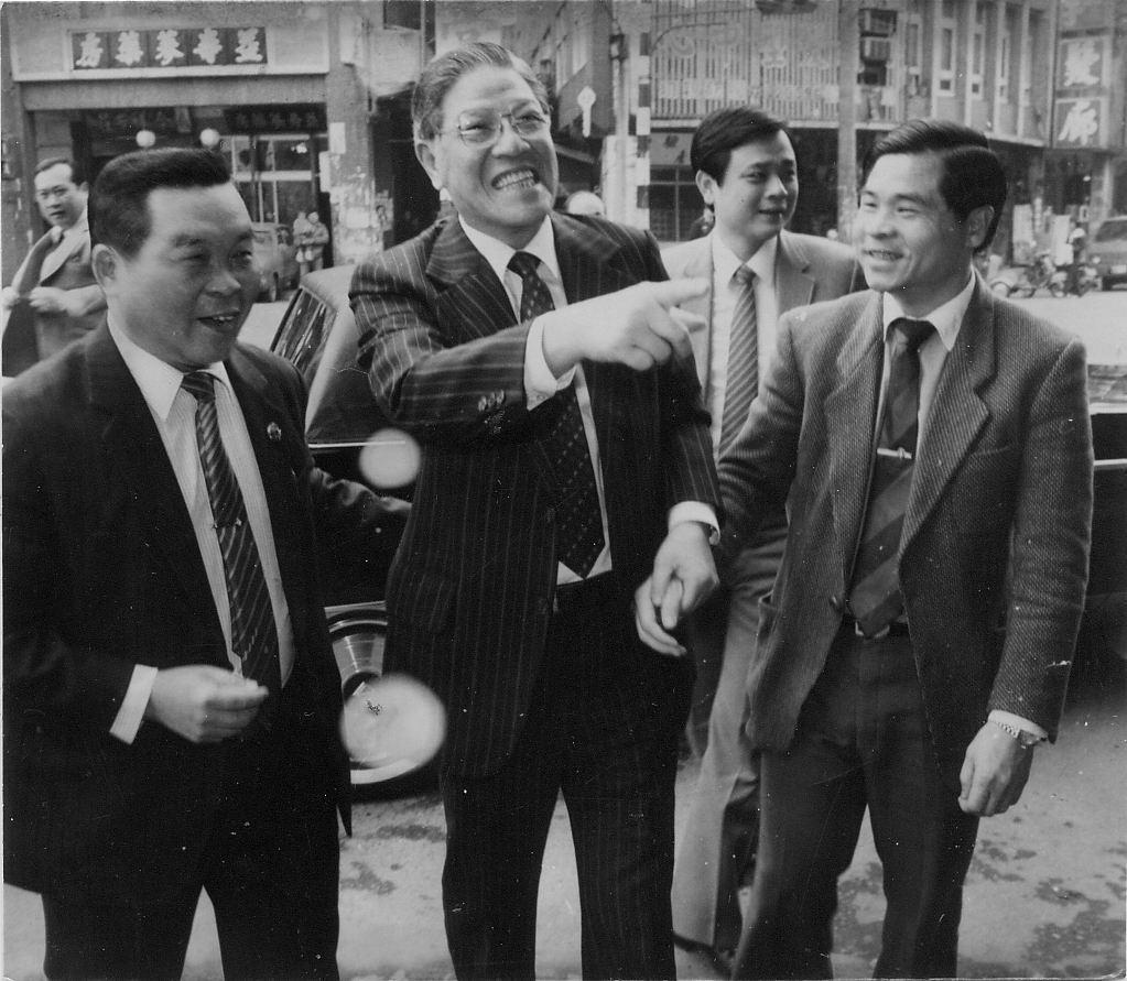 1984年,李登輝被時任總統蔣經國提名為副總統候選人,並經國民大會會議後當選副總...