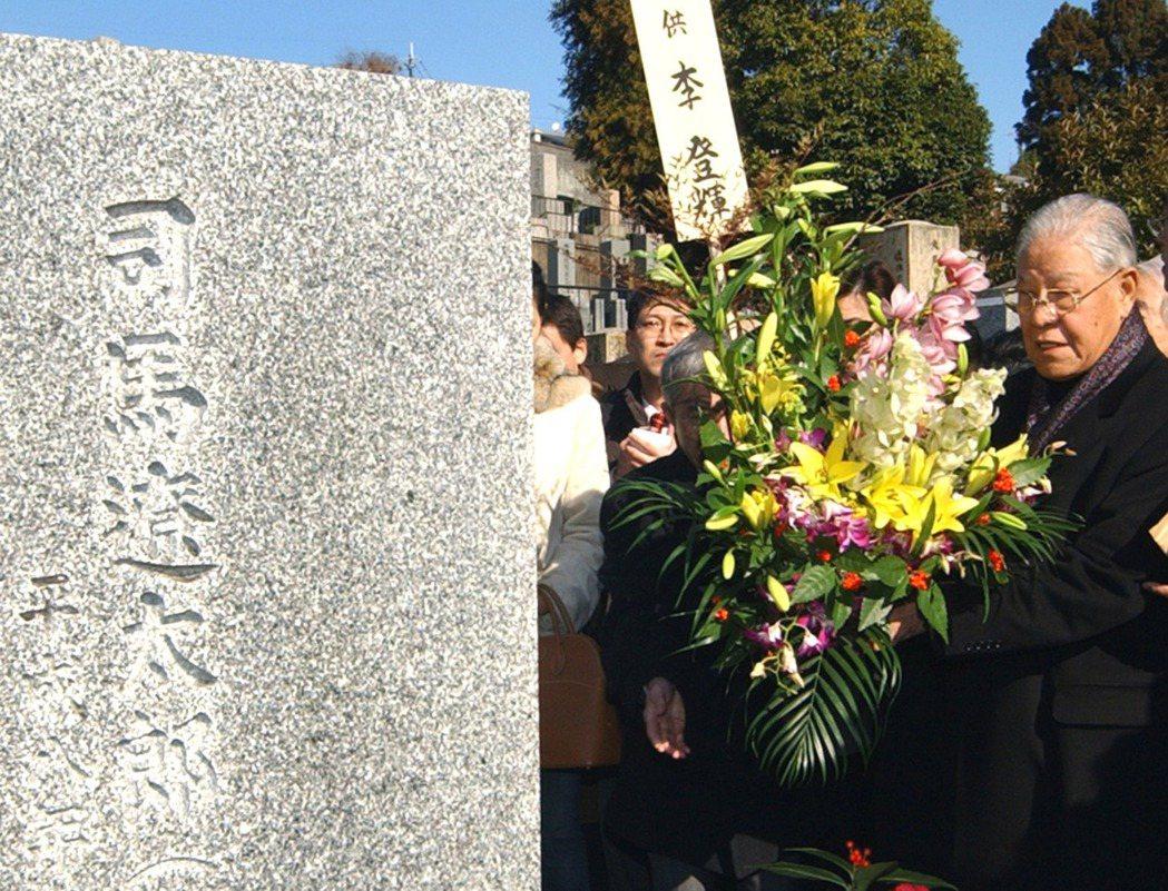 這些特色的集合體,就是在司馬面前用日語流暢地訴說自己生為台灣人的「場所の悲哀」,...