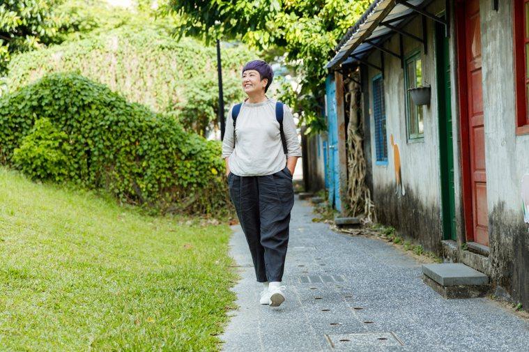 Lucas阿嬤鼓勵退休族,勇敢踏出自己的旅程,別被孫子、老伴困在家裡, 「永遠不...