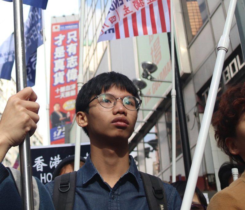 香港警務處國家安全處29日晚間拘捕泛民主派組織「學生動源」前召集人鍾翰林,理由是涉嫌「煽動他人分裂國家」。 中央社