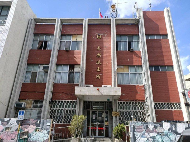 台南市警二分局長樂派出進行耐震補強工程半年。記者黃宣翰/翻攝