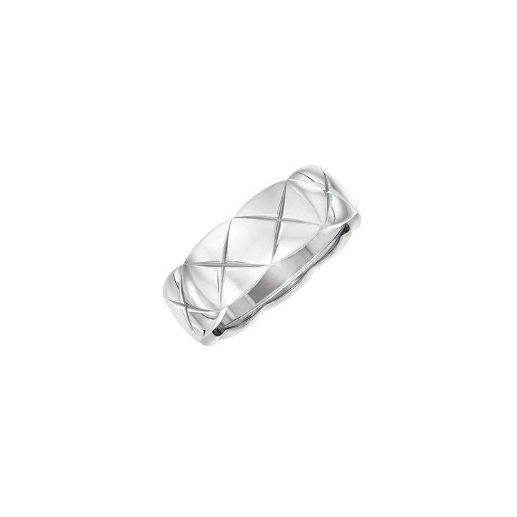 香奈兒COCO CRUSH戒指18K白金小型款,79,000元。圖/香奈兒提供