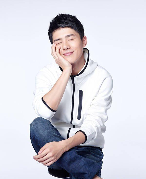 2014出道的劉昊然至今已有多部電影與電視劇作品,雖為23歲之姿,但人氣正蓄勢待發。圖 / 翻攝自ig。