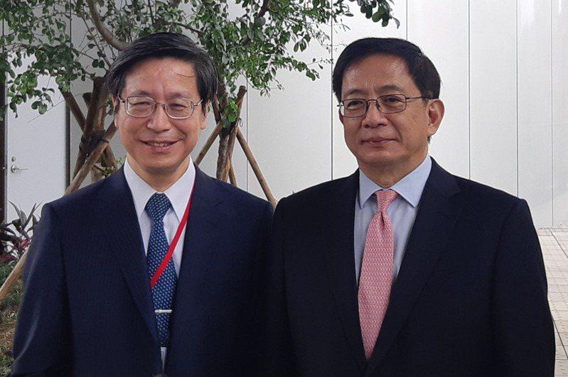 台大校長管中閔(右)、台大副校長張上淳(左)。記者邱宜君/攝影