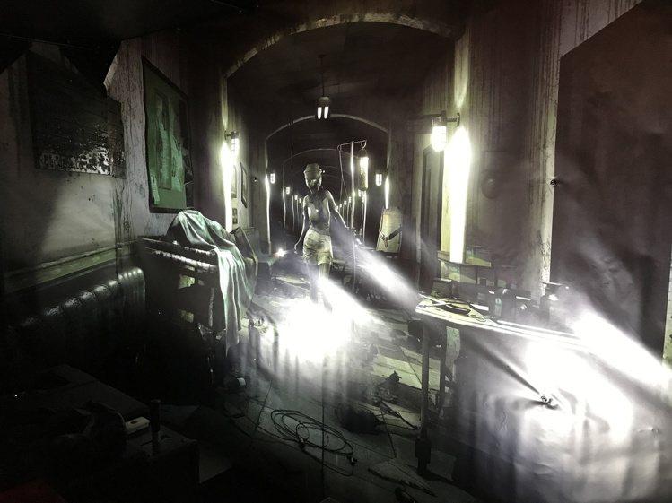 「驚恐實感體驗室病樓逃亡」,須滿18歲才能體驗。記者江佩君/攝影