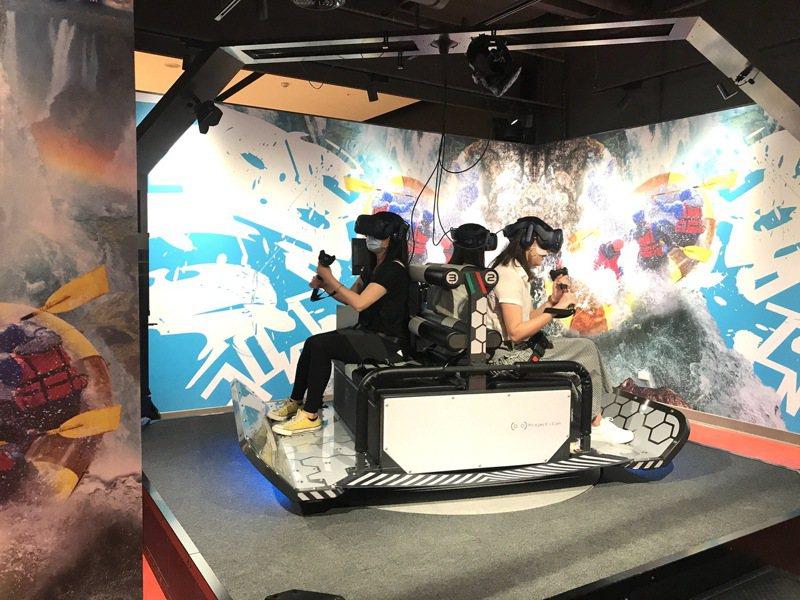 玩VR遊戲前,先檢視自己的體質與身體狀況適不適合體驗VR。記者江佩君/攝影