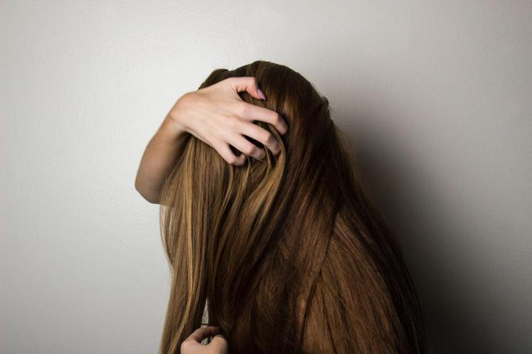 夏天頭髮容易出油。圖/摘自Pelexs