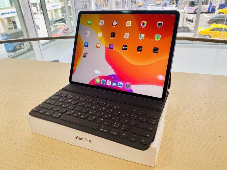 輕巧好攜適合業務人士使用的iPad Pro 11吋Wi-Fi 64GB,原價25...