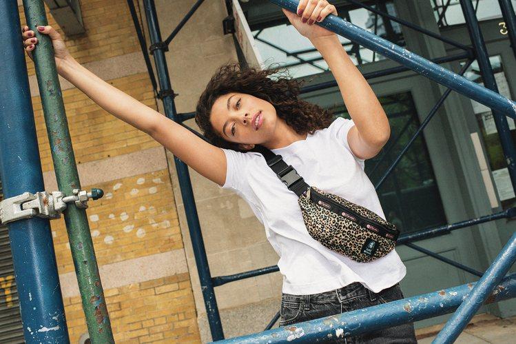 LeSportsac攜手街頭服飾品牌X-girl推出聯名系列,致敬90年代紐約街...
