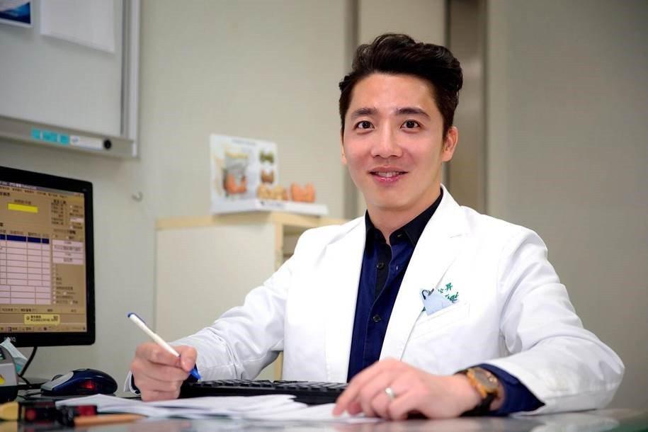 感謝林口長庚醫院蔡松昇醫師,他非常的專業也很關心我。圖╱曹先生提供