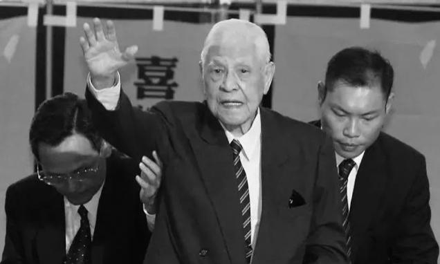 李登輝前總統過世,大陸官媒統一使用「病亡」兩字。(北京青年報)