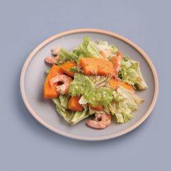 南瓜鮮蝦藜麥沙拉。 圖/ 四塊玉文創提供