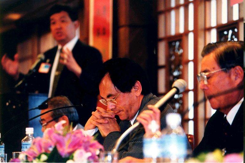 1999年,國大憲政改革擴大諮詢會議,舉行「一個中國與特殊國與國關係」辯論會,三黨各派代表闡述立場。 圖/聯合報系資料照