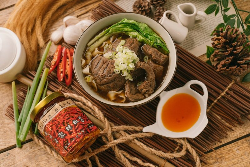 清燉牛肉湯,嗜辣者可搭配陶膳熱銷的辣椒醬。 陶膳/提供