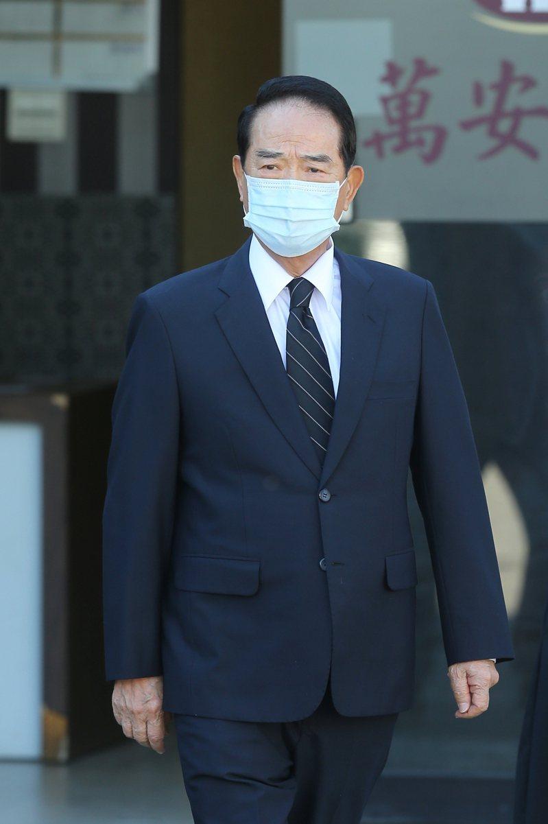 前總統李登輝昨晚逝世於台北榮總,親民黨主席宋楚瑜下午前往榮總悼念。記者季相儒/攝影