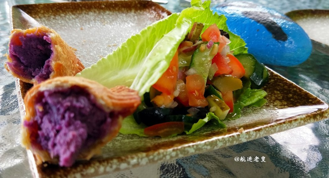青蔬不僅保留了原味, 還有著調料的香味, 營養價值也保留在裡面。