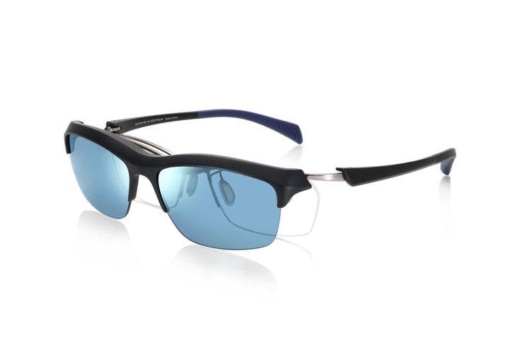 JINS一鏡兩用Switch系列運動款眼鏡3,980元。圖/JINS提供