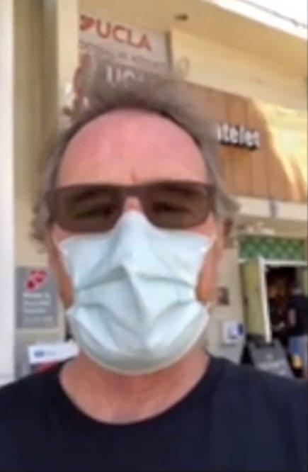 布萊恩克蘭斯頓前往UCLA醫學中心捐血幫助研發新冠肺炎疫苗。圖/摘自Instag...