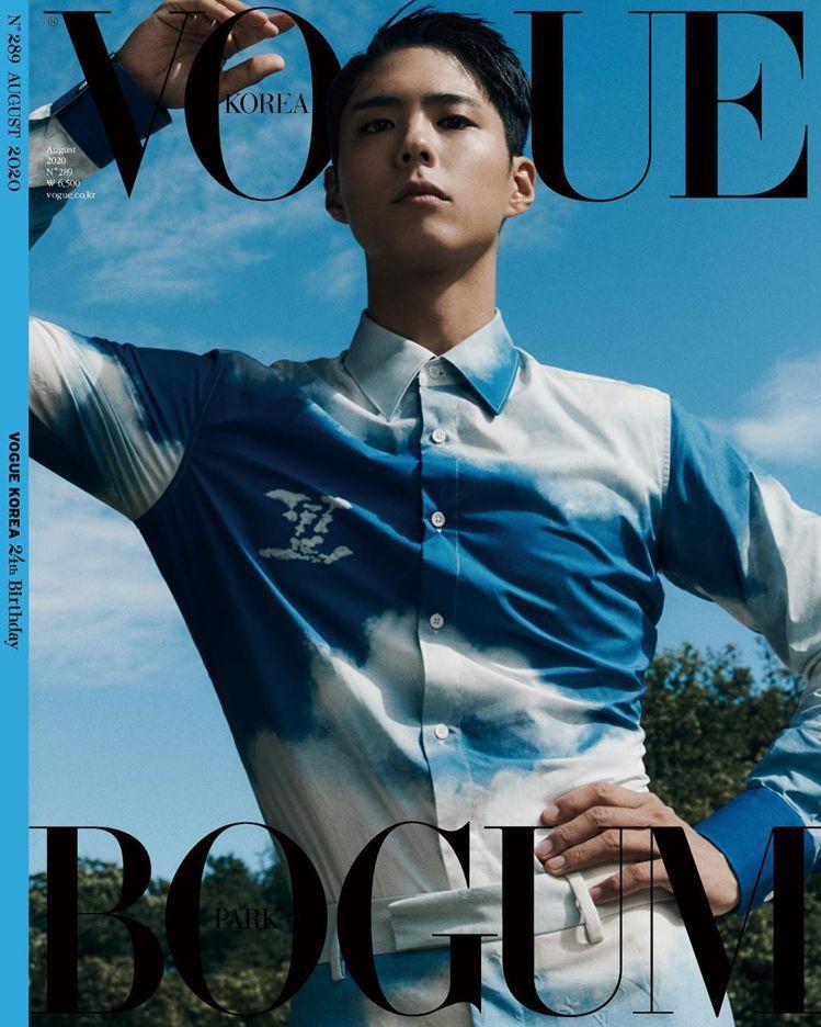 朴寶劍在韓國版《VOGUE》身穿路易威登2020秋冬男裝。圖/取自VOGUE K...