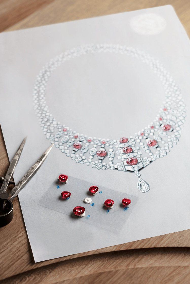甄選頂級、大克拉的稀有寶石,結合多變風格設計,奠定今日卡地亞身為帝王珠寶商的深邃...