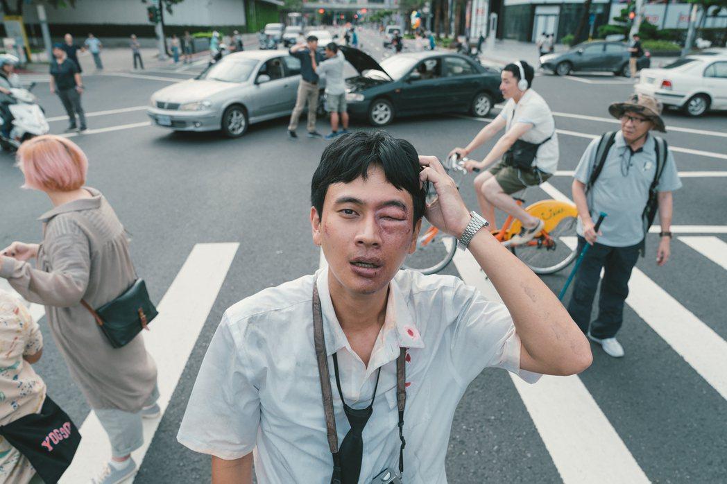 「消失的情人節」在信義區封街拍攝。圖/牽猴子整合行銷提供