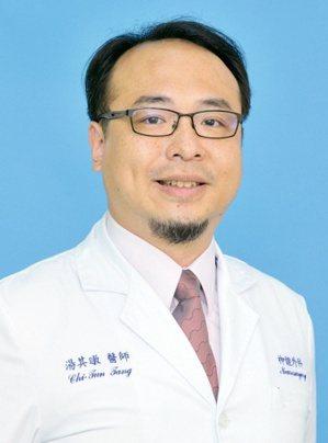 三軍總醫院神經外科部腦中風醫學及腦神經功能科主任湯其暾。圖╱許一智醫師提供