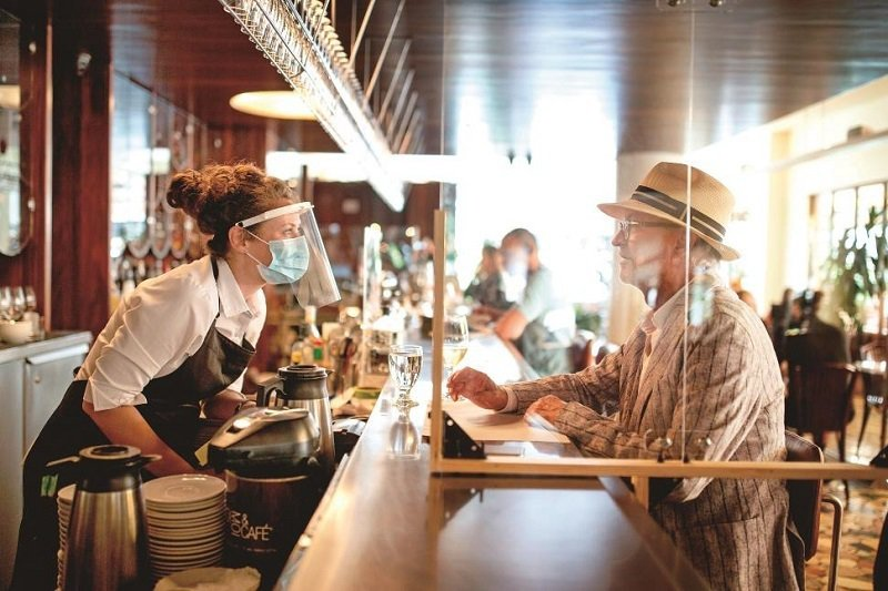 對於餐飲業者來說,疫情的反覆與政策的更迭,將大幅影響營業狀況。 圖/達志影像、G...