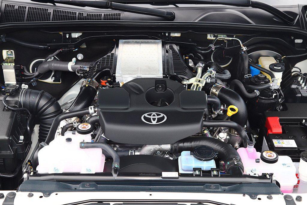 二度小改款Toyota Hilux引擎維持排氣量2,755c.c.,但透過加大渦...
