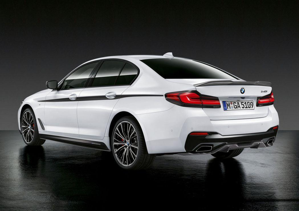 此次BMW 5 Series所搭配的M Performance套件,多數依舊採用...