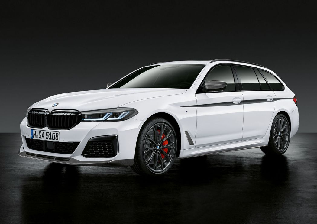 小改款BMW 5 Series Touring也有專屬的M Performanc...