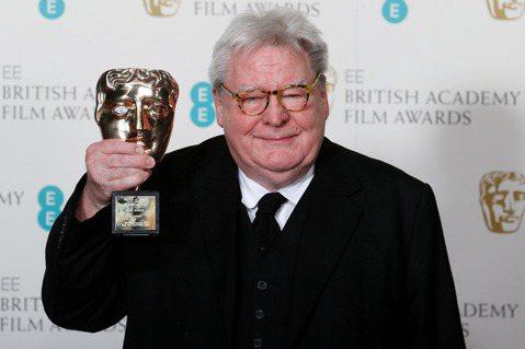 拍攝「午夜快車」(Midnight Express)和「追夢者」(The Commitments)等知名電影的英國金獎導演派克(Alan Parker)的家人今天指出,派克今天辭世,享壽76歲。法新...