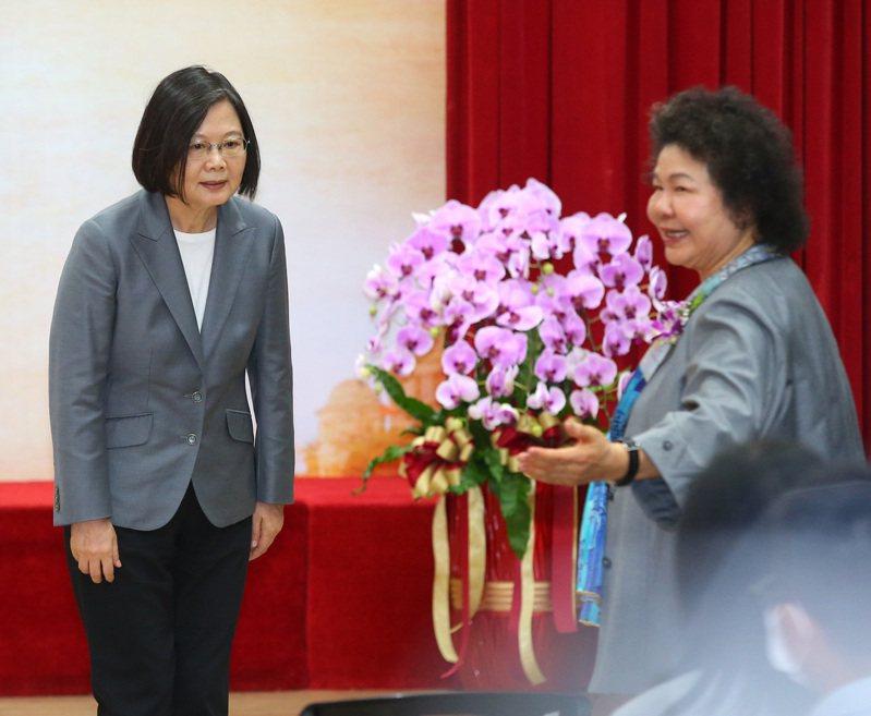 陳菊(右)接任監察院長與國家人權委員會主委。圖/聯合報系資料照片