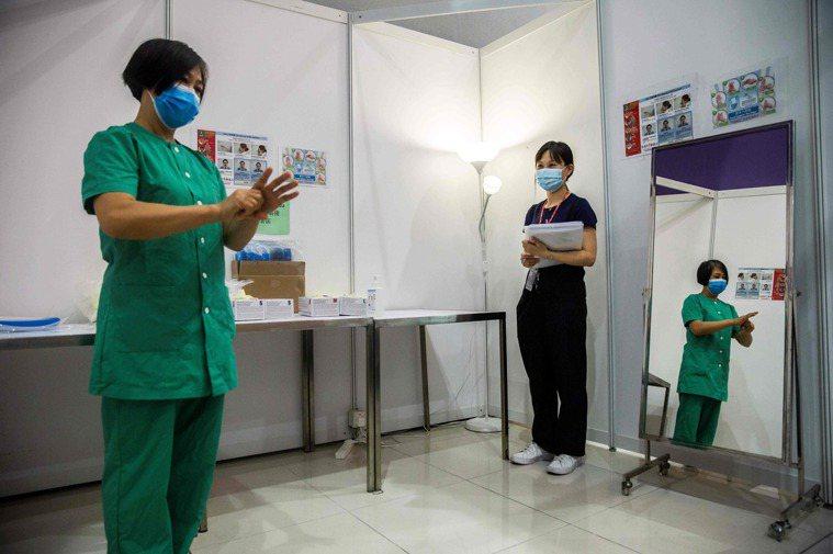 香港今天新增125宗2019冠狀病毒疾病(COVID-19,新冠肺炎)確診個案,...
