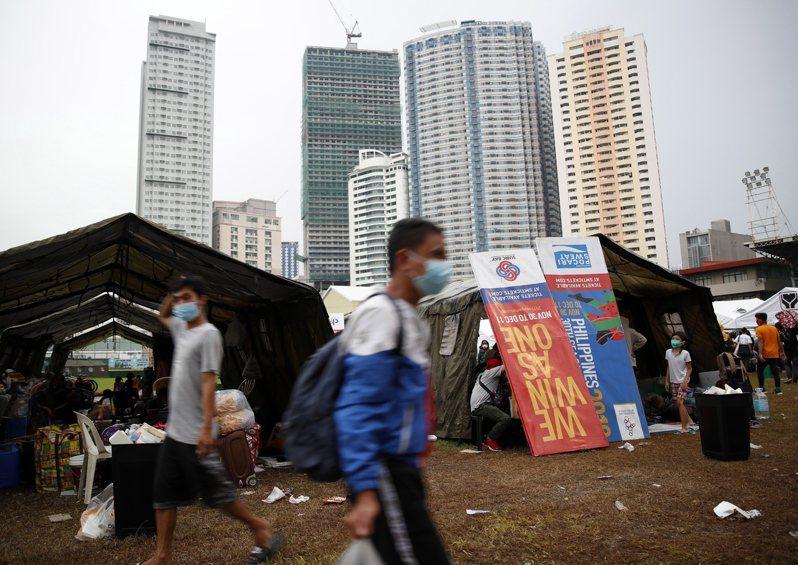 東南亞新冠肺炎疫情未歇,菲律賓今天通報新增近5000人確診,刷新菲國疫情爆發以來單日通報新高。 歐新社