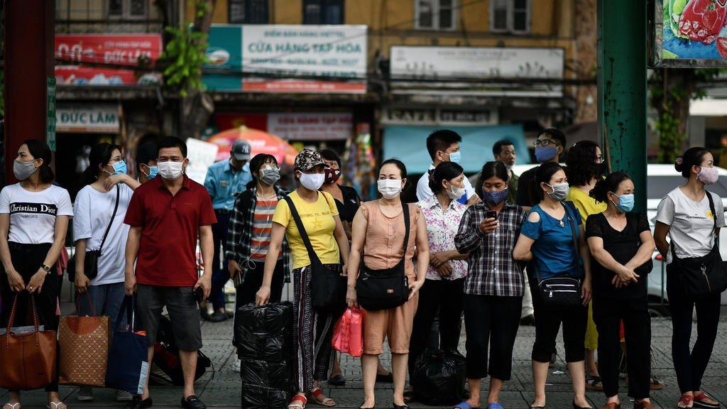 彭博調查,除越、中、台外,亞太經濟體今年GDP萎縮逾半超過4%。 法新社