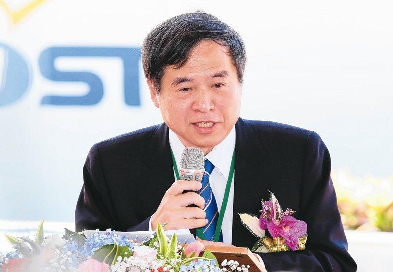 台船董事長鄭文隆宣布8月1日起帶頭減薪九成多。圖/聯合報系資料照片
