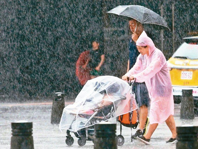 由於今年太平洋高壓勢力較強,創下七十年來,首度七月無颱風的紀錄。圖/聯合報系資料照片