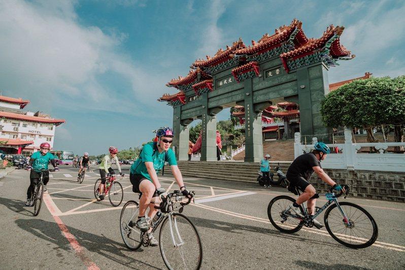 「日月潭Come!Bikeday」自行車活動,可欣賞文武廟等知名景點。圖/日管處提供