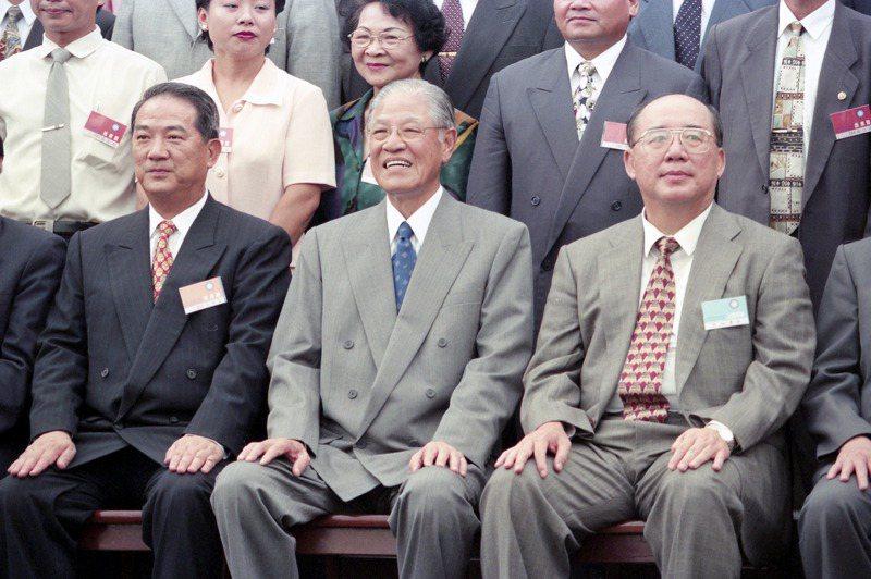 前總統李登輝(中)曾重用台灣省長宋楚瑜(左)、國民黨秘書長吳伯雄(右)。圖/聯合報系資料照片