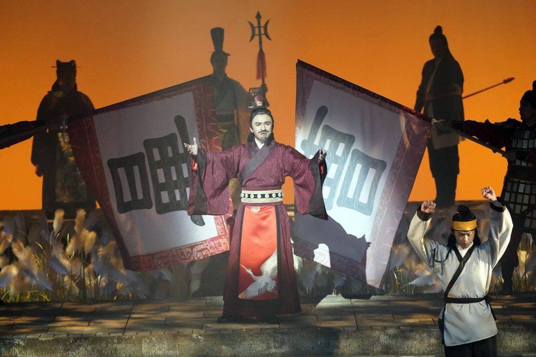 倪子鈞(小馬)在「賽貂蟬」中飾演曹操,霸氣十足。圖/全民大劇團提供
