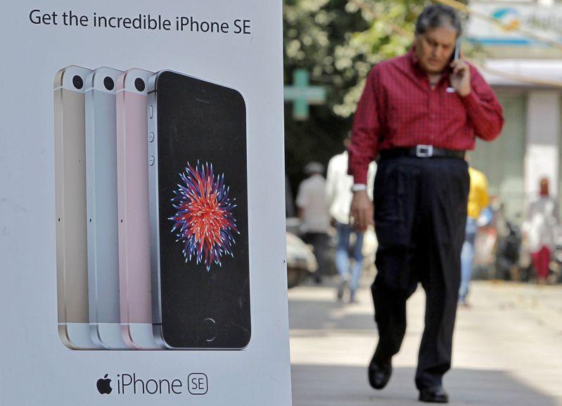 印度政府大力推動智慧手機在地生產計畫。路透