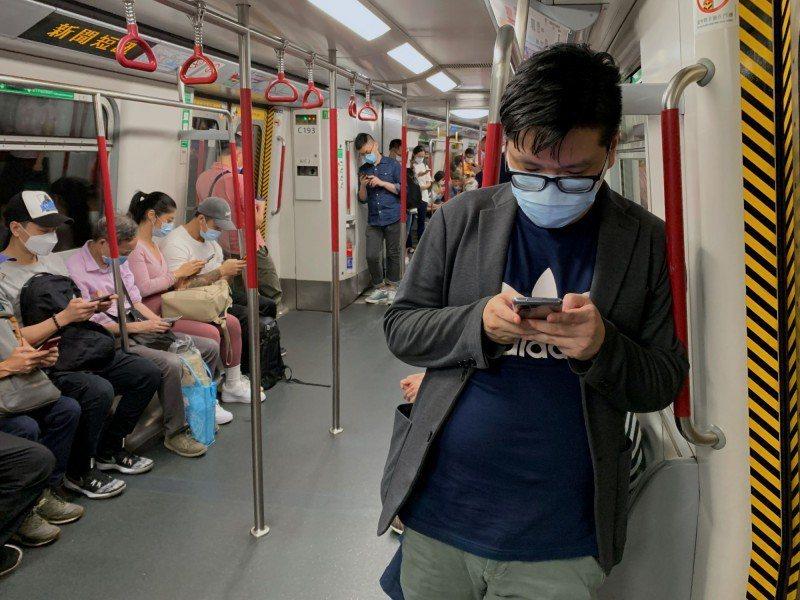 香港新冠肺炎疫情緊張。圖/取自路透社