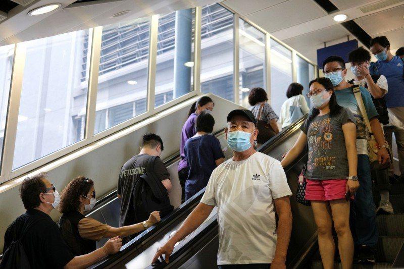香港新冠肺炎疫情持續擴大。圖/取自路透社