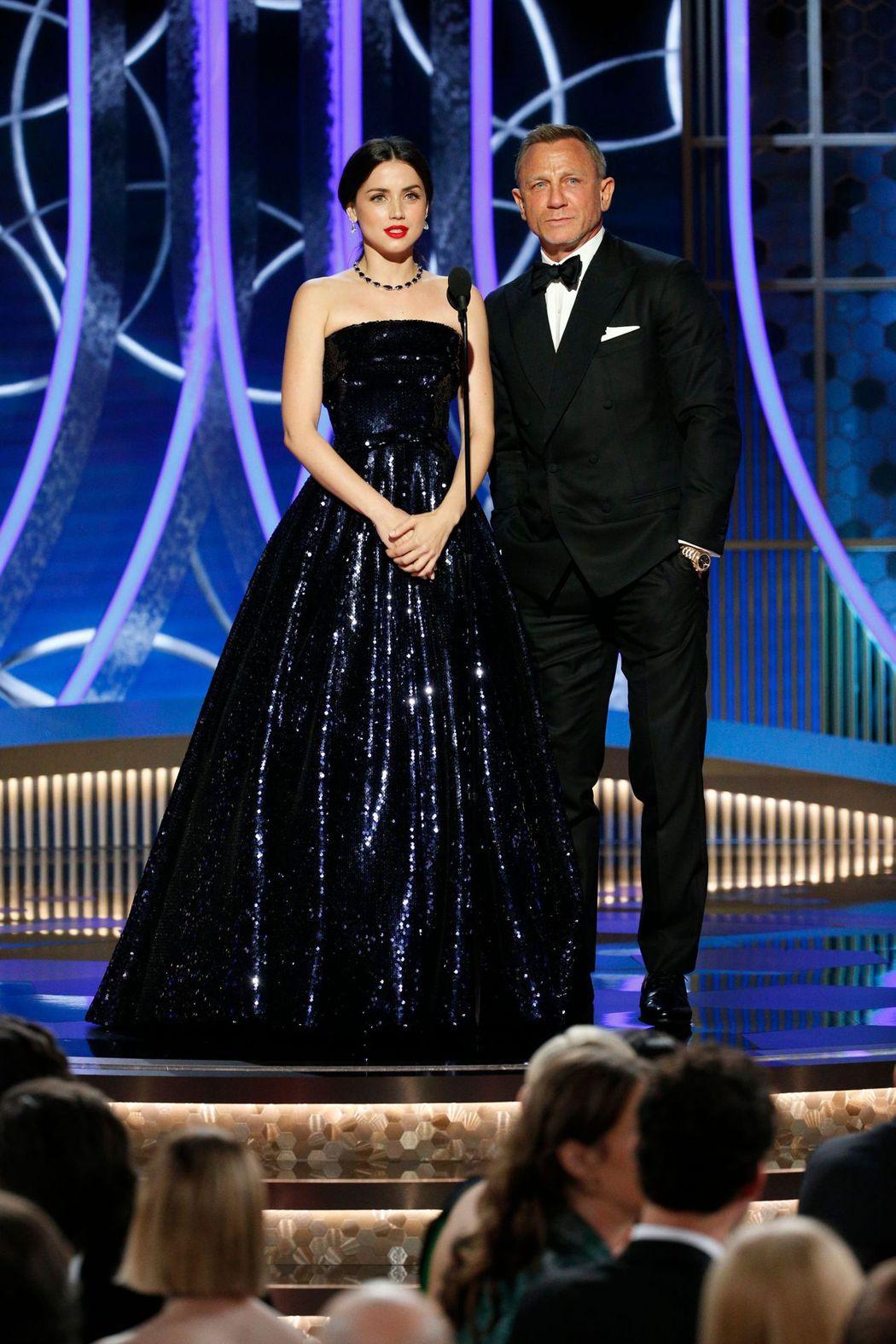 丹尼爾克雷格與安娜狄阿瑪斯兩度合作,也一起擔任頒獎嘉賓。圖/路透資料照片