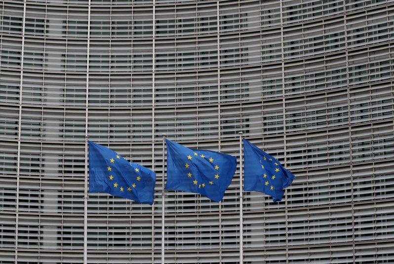 標普調升歐盟信評展望至「正向」。路透
