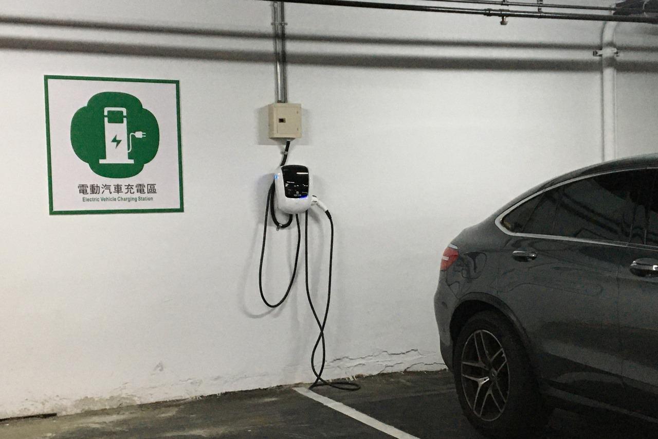 桃園大樓裝汽車充電座 最高補助5萬