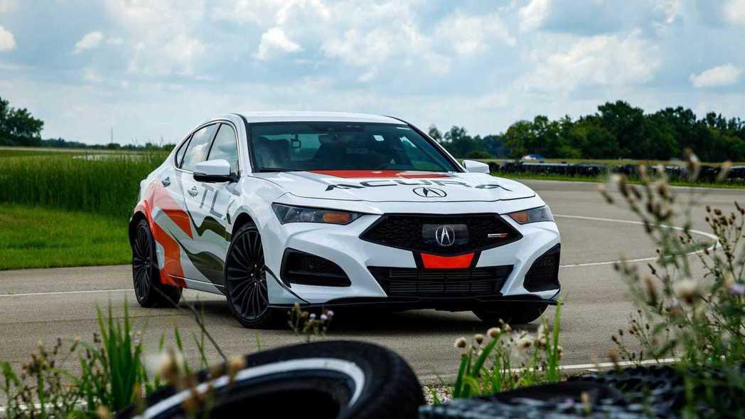 Acura TLX Type S配置3.0升V6渦輪引擎,動力來到355hp/4...