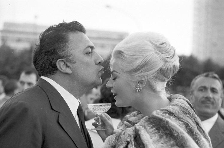 義大利名導Federico Fellini與「甜蜜生活」女主角Anita Ekb...